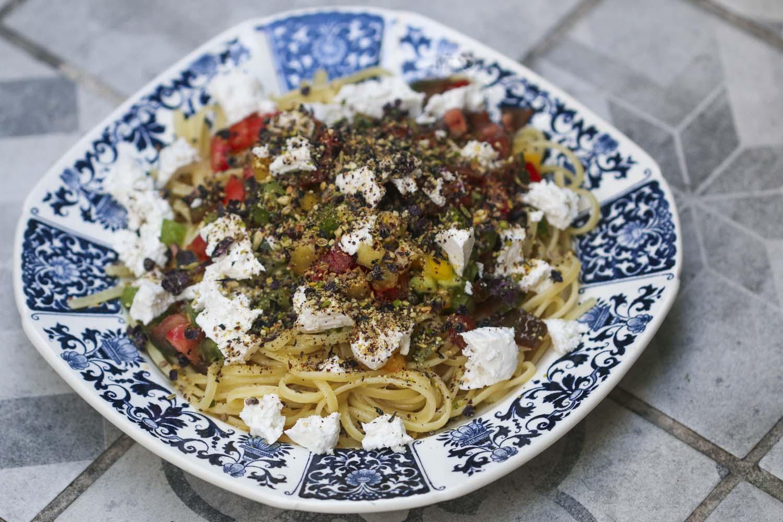 Pâtes, sauce cruraiola & dukkah aux algues, par Epices Shira